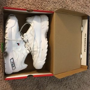 fila d-formations in womens 8.5